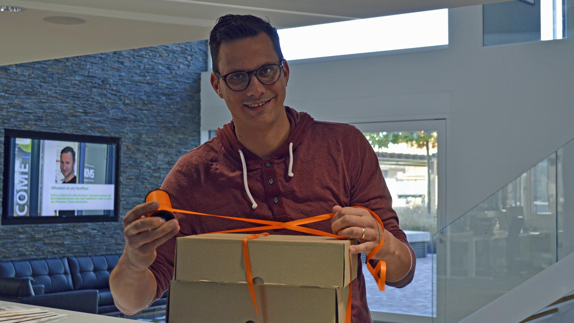 Florian Bastadin schnürt Paket